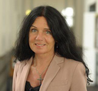 Frau Prof. Dr. Elisabeth Jünemann